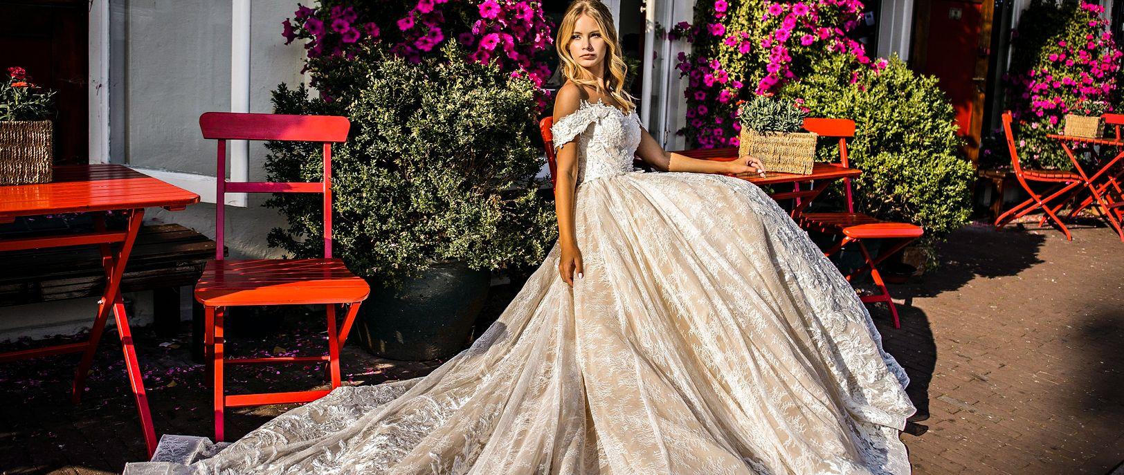 89efbe5d15e2 Irian sam svadobné šaty